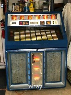 AMI Rowe R-91 Jukebox Plays 45 rpm Vinyl Records 100 records included