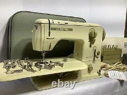Bernina 730 Record sewing machine with Accessories, Case, Extension Table, Pedal